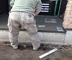 玄関タイル貼工事